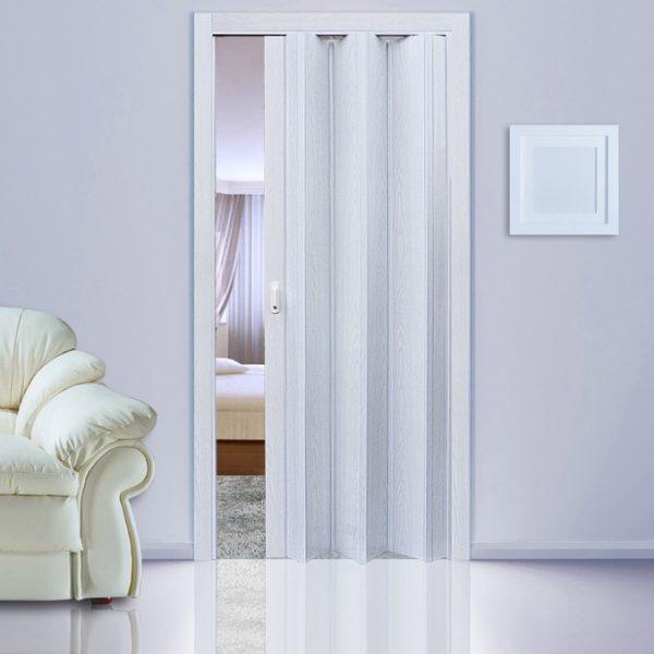 Ясень серый. Дверь гармошка ПВХ