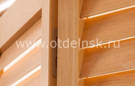Дверь гармошка жалюзийная из ПВХ Дуб старый 2005 Х 810 мм в интерьере